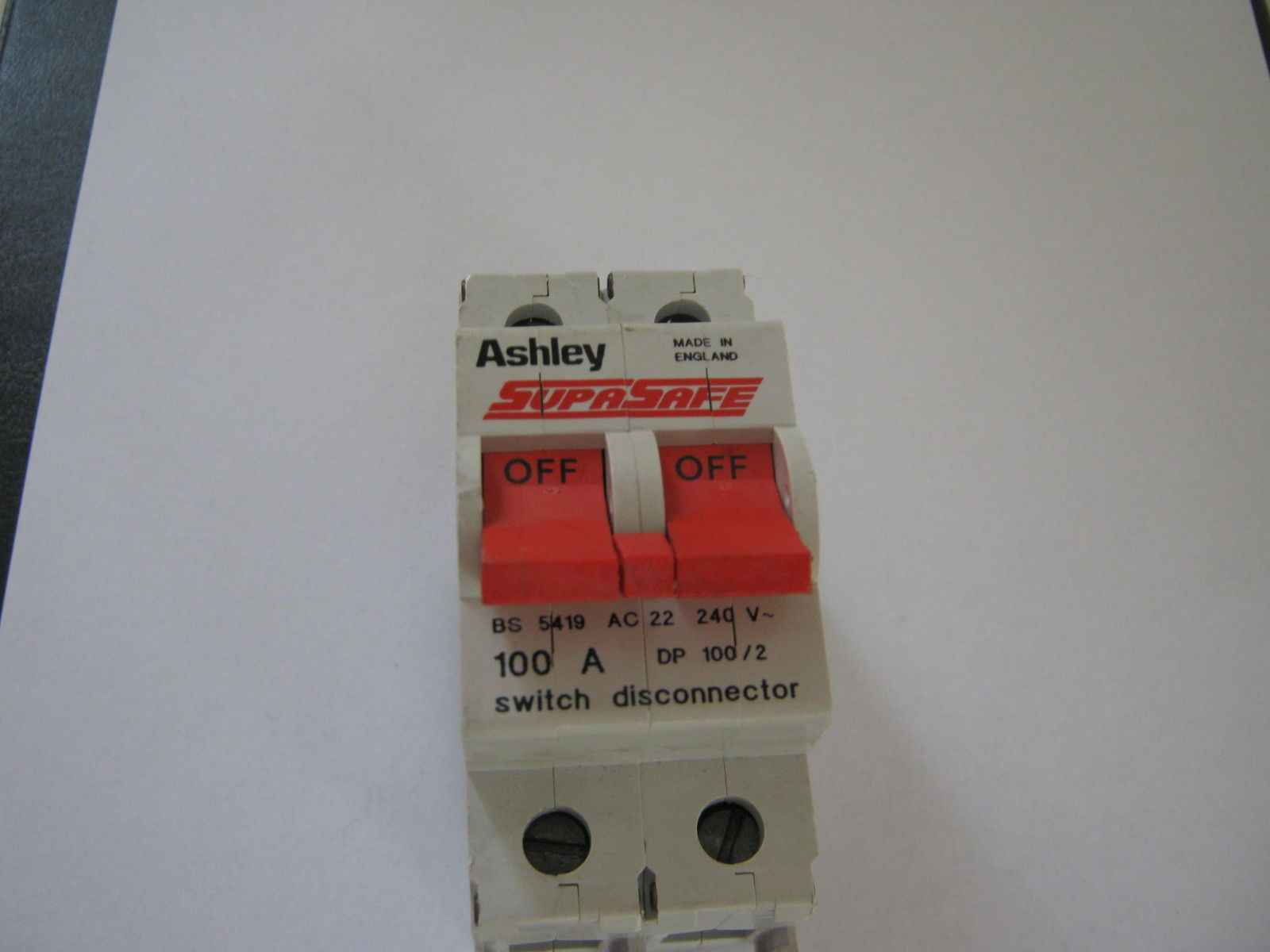 ashley supasafe 100 amp ac22 dp 100 2 switch disconnector. Black Bedroom Furniture Sets. Home Design Ideas