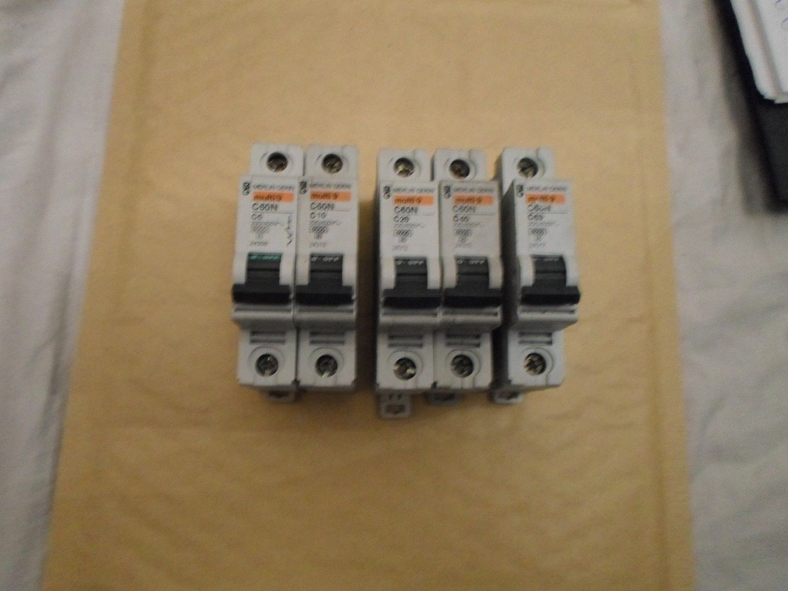 Din rail clips for merlin gerin mgdinclip mcb circuit breakers publicscrutiny Image collections